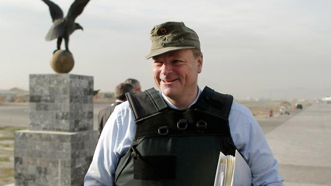 Als Ex-Entwicklungshilfeminister verfügt Dirk Niebel über exzellente Kontakte in Entwicklungsländer.