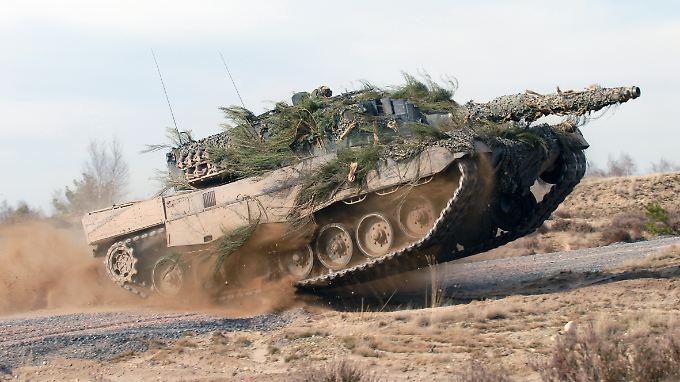 Der Leopard-Hersteller KMW und der Rivale Nexter wollen fusionieren. Die Politik ist angetan.