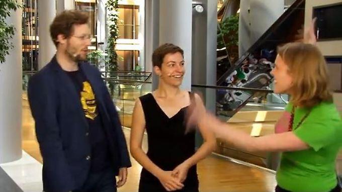 Die grünen Europaabgeordneten Jan Philipp Albrecht, Ska Keller und Terry Reintke (v.l.) berichten über die  jüngste Plenarsitzung.