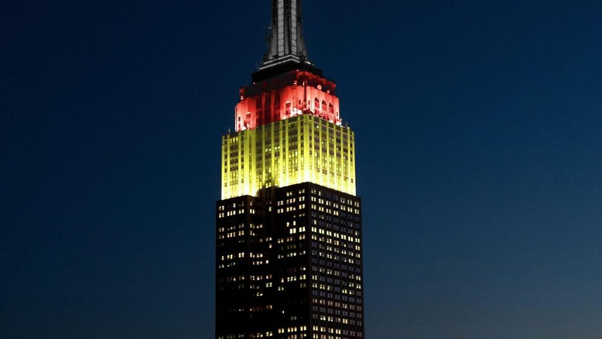 Empire State Building Schwarz Rot Gold