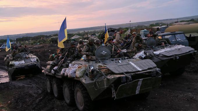 Ukrainische Truppen vor Slawjansk - inzwischen ist die Armee weiter vorgestoßen.