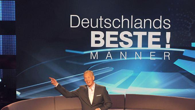 """Moderator Johannes B. Kerner in der Kulisse von """"Deutschlands Beste""""."""