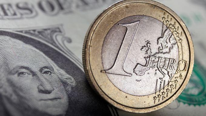 Der Euro hat zum Dollar zuletzt deutlich nachgegeben.
