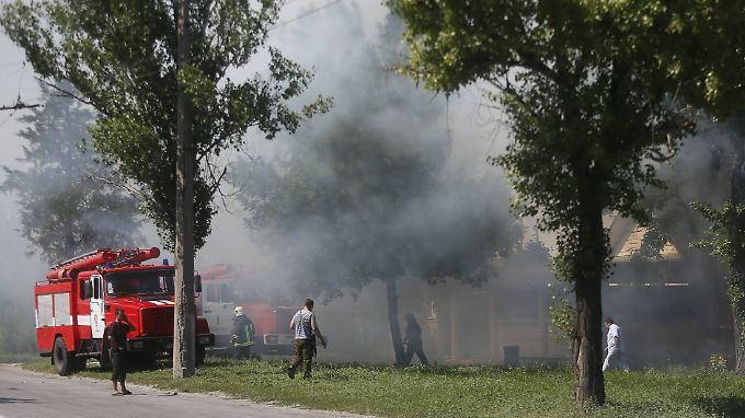 Rund um Lugansk gibt es ständig heftige Gefechte. Auf beiden Seiten soll es wieder viele Tote gegeben haben.