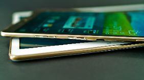 Das Galaxy Tab S hat einen Steckplatz für microSD-Karten, die LTE-Modelle auch für SIM-Karten.