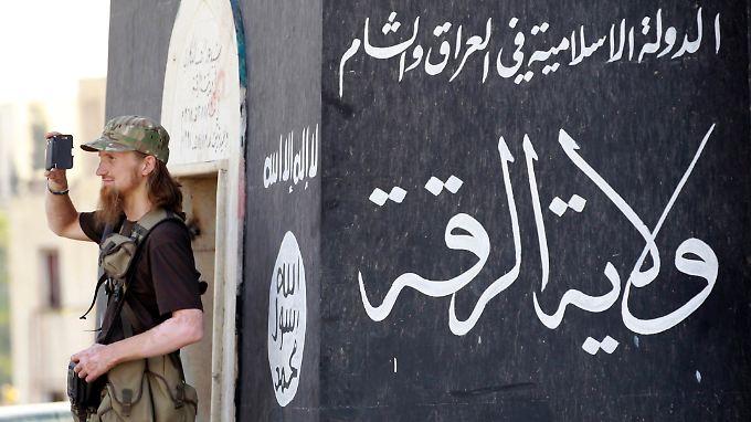 """Der """"Islamische Staat"""" kontrolliert mit überharter Hand die Stadt Rakka in Syrien. Angeblich wurden hier nun zwei Frauen öffentlich gesteinigt."""