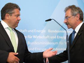 Haben sich derzeit viel zu sagen: Bundeswirtschaftsminister Sigmar Gabriel (l.) und Bitkom-Präsident Dieter Kempf.