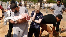 Sterben in Gaza geht weiter: Zahl der Opfer von israelischer Offensive steigt auf fast 720