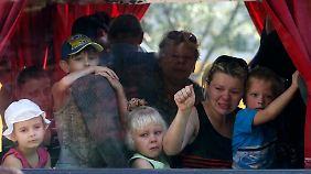 Armeeoffensive gegen Separatisten: Zehntausende fliehen aus ukrainischer Stadt Donezk