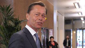 Fensterstunt nach Offenbarungseid: Middelhoff brüstet sich mit Flucht vor Reportern
