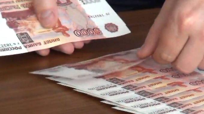 Der Rubel verliert weiter an Wert.
