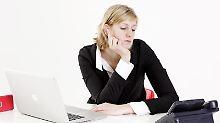 Nie klingelt das Telefon: Boreout-Betroffene haben nicht zu viel, sondern zu wenig zu tun. Auch das kann auf Dauer krank machen. Foto: Monique Wüstenhagen