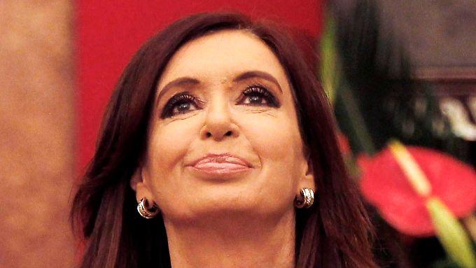 Argentiniens Staatschefin Kirchner kann erst einmal durchatmen: Ein neuer Gerichtstermin im Schuldenstreit steht an.