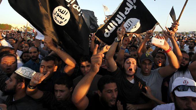 Anhänger der libyschen Islamistengruppe Ansar al-Sharia: In Libyen regiert das blanke Chaos.