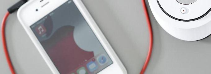 Apple verbannt wegen potenzieller Vergiftungsgefahr von Fabrikarbeitern Chemikalien aus der iPhone- und iPad-Herstellung. Foto: David Ebener/Archiv
