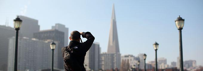 Klare Anhaltspunkte für die Jetpac-Software: Pier 7, keine Schnurrbärte, im Hintergrund das TransAmerica-Hochhaus - eindeutig San Francisco.