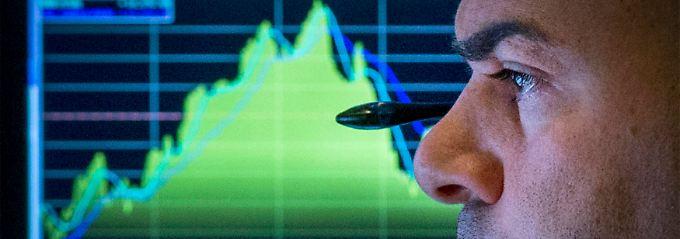Ist das der Beginn größerer Umschichtungen? Im Devisenhandel blicken Experten einer ungewissen Zukunft entgegen.