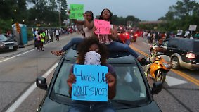 """""""Hands up, don't shoot"""": Der Fall Mike Brown"""
