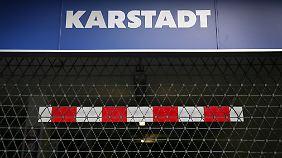 Schließung von 30 Filialen?: Karstadt-Rettung wird schmerzhaft für Mitarbeiter