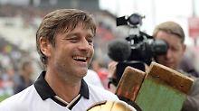 Oliver Kreuzer hat gut lachen: Der HSV muss weiterhin an seinen Ex-Sportdirektor zahlen.