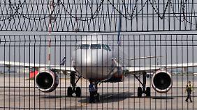 Moskau droht mit Überflugverbot: EU schiebt neue Sanktionen gegen Russland auf