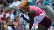 Yesss: Die amerikanische Tennisspielerin Serena Williams feiert einen Punktgewinn im Halbfinale gegen die Russin Ekaterina Makarova. Am Ende gewann Williams die US Open - zum dritten Mal hintereinander.