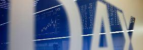 Nach den herben Verlusten vom Vortag atmen die Anleger am deutschen Aktienmarkt durch.