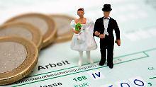 Ehepaare haben noch bis zum 30. November Zeit, andere Steuerklassen zu beantragen.