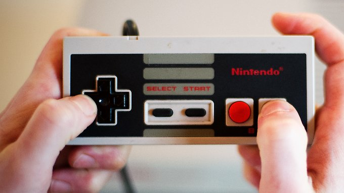 """Controller des """"Nintendo Entertainment System"""": Die erste Konsole des japanischen Spielzeugherstellers sollte mehr können und weniger kosten als die Konkurrenz."""