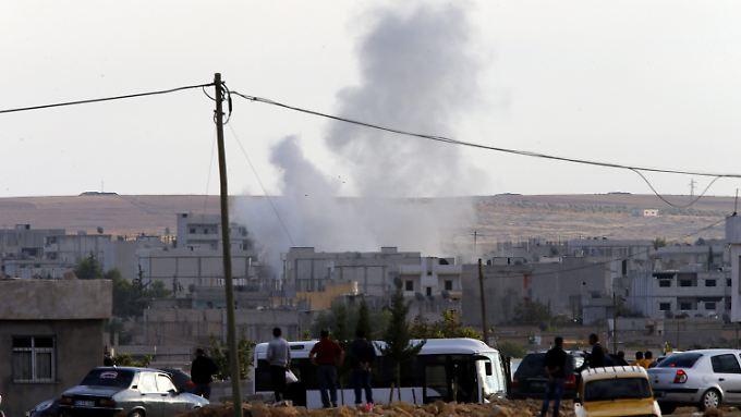 IS rückt weiter auf Kobane vor. Die nordsyrische Stadt ist den Attacken der Terrormiliz ausgesetzt.