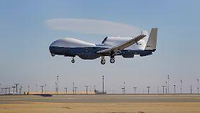 """""""Triton"""" besser als """"Euro Hawk""""?: Von der Leyen vor riskantem Drohnen-Geschäft"""