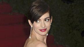 Promi-News des Tages: Anne Hathaway hat angeblich nicht genug Sexappeal