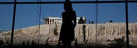 Was kommt nach den Hilfen?: Griechenland kündigt erneut Überschuss an
