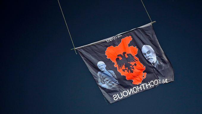"""Kernstück von """"Großalbanien"""" wären die heutige Republik Albanien und der Kosovo. Daneben in Mazedonien eine halbe Million Albarner, plus die Landsleute in Südserbien, Montenegro und Griechenland."""