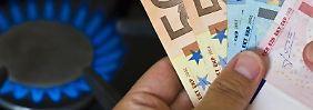 Wer von der Grundversorgung in einen anderen Tarif wechselt, kann viel Geld sparen. In Leipzig etwa können das bis zu 847 Euro pro Jahr sein.