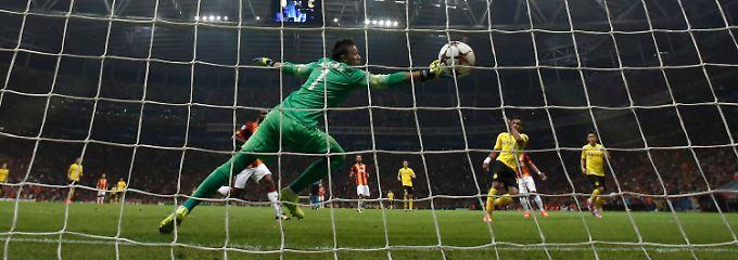 Pierre-Emerick Aubameyang leitete den 4:0-Sieg von Borussia Dortmund bei Galatasaray Istanbul mit einem Doppelpack ein.