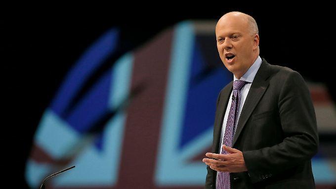 """Der britische Justizminister Grayling sagte, dass """"Giftspuckerei"""" im Netz ebenso wenig toleriert werden dürfe, wie im sonstigen Leben."""