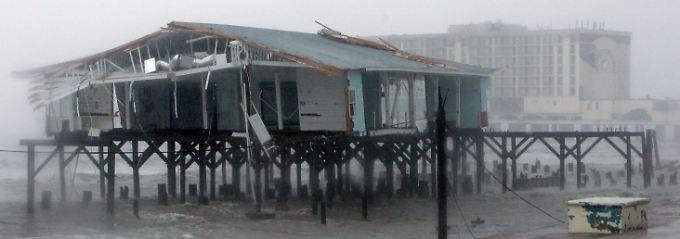 2008 zieht Hurrikan Ike über das texanische Galveston. Im gleichnamigen Buch hat der Wirbelsturm eine reinigende, erlösende Wirkung.
