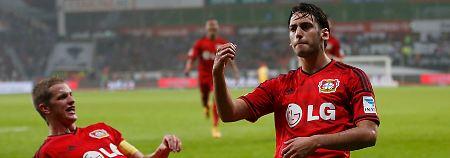 Schalkes Catenaccio fruchtet nicht: Calhanoglu zaubert Bayer zum Sieg
