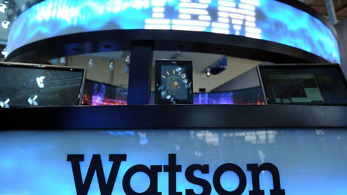Neue Aufgabe für ein Superhirn: Computer Watson soll mit Twitter-Daten jonglieren - und damit vor allem Geld verdienen.