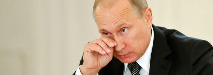 Im freien Fall: Rubel-Absturz wird zu Putins Problem