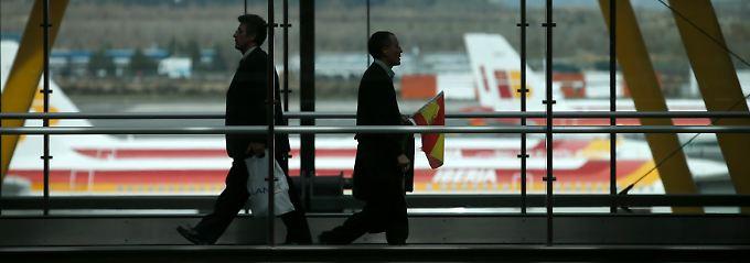 Reisende am Madrider Großflughafen Barajas: Der spanische Staat bleibt Mehrheitseigner.