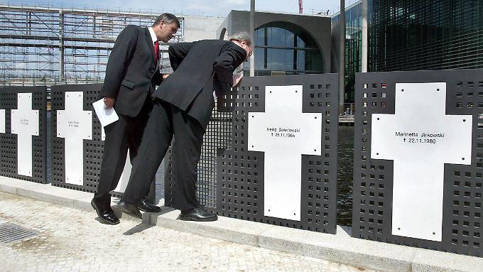 Die Mauerkreuze wurden im Jahr 2003 eingeweiht.