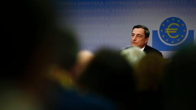 Draghi ist wild entschlossen: Wenn es sein muss, soll die EZB auch faule Kreditbriefe aufkaufen.
