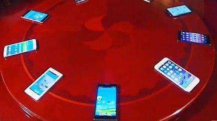 n tv ratgeber smartphones aus china auf dem pr fstand n. Black Bedroom Furniture Sets. Home Design Ideas