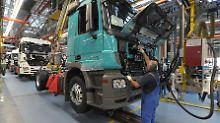Daimler und MAN betroffen: EU ermittelt gegen mutmaßliches Lkw-Kartell