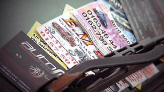 n-tv Ratgeber: Wie seriös sind Händler bunter Visitenkarten am Auto?