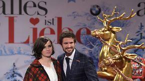 """Weihnachten auf dem roten Teppich: """"Alles ist Liebe"""" bringt verirrte Gefühle ins Kino"""