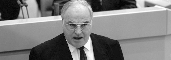 Helmut Kohl bei der Vorstellung seines Zehn-Punkte-Plans.