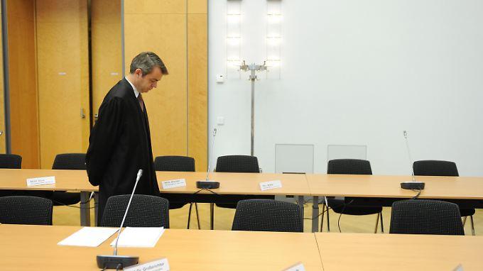 Der juristische Vertreter der HRE, Helge Großerechter, im Verhandlungssaal des Oberlandesgerichtes in München.